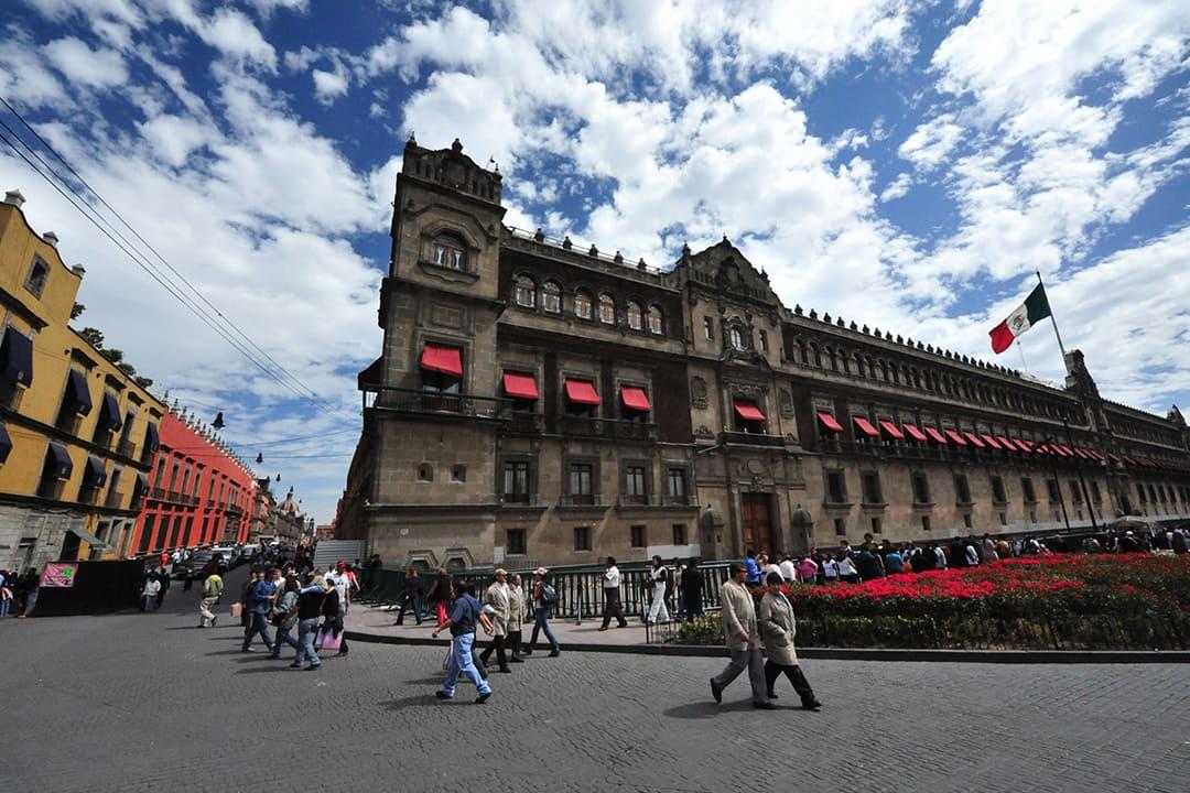 Gobernar vs. Imponer Dilema del poder político en México